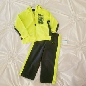 Nike Infant 24mo Therma Fit Track Suit 2-piece